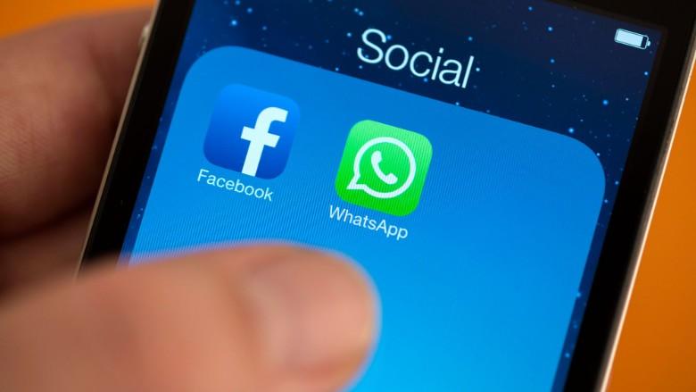 आप की वजह से WhatsApp और Facebook करते है कमाई